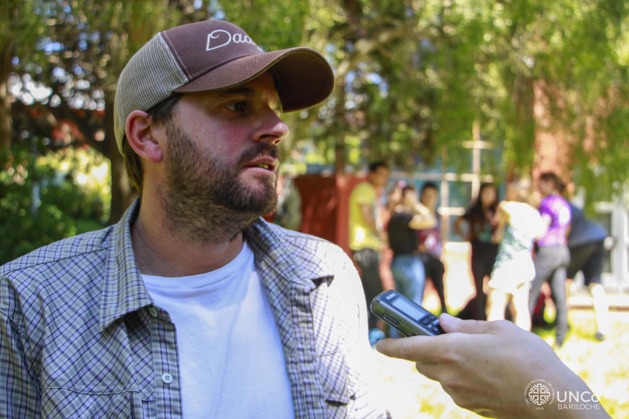 Agustín Saez con logo-3
