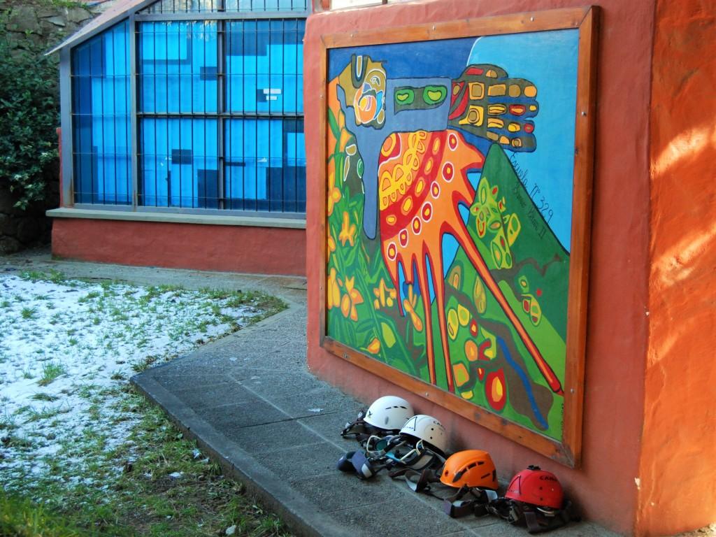 Mural realizado por los alumnos de la Escuela Nº 329 en homenaje a los estudiantes del 1º de septiembre