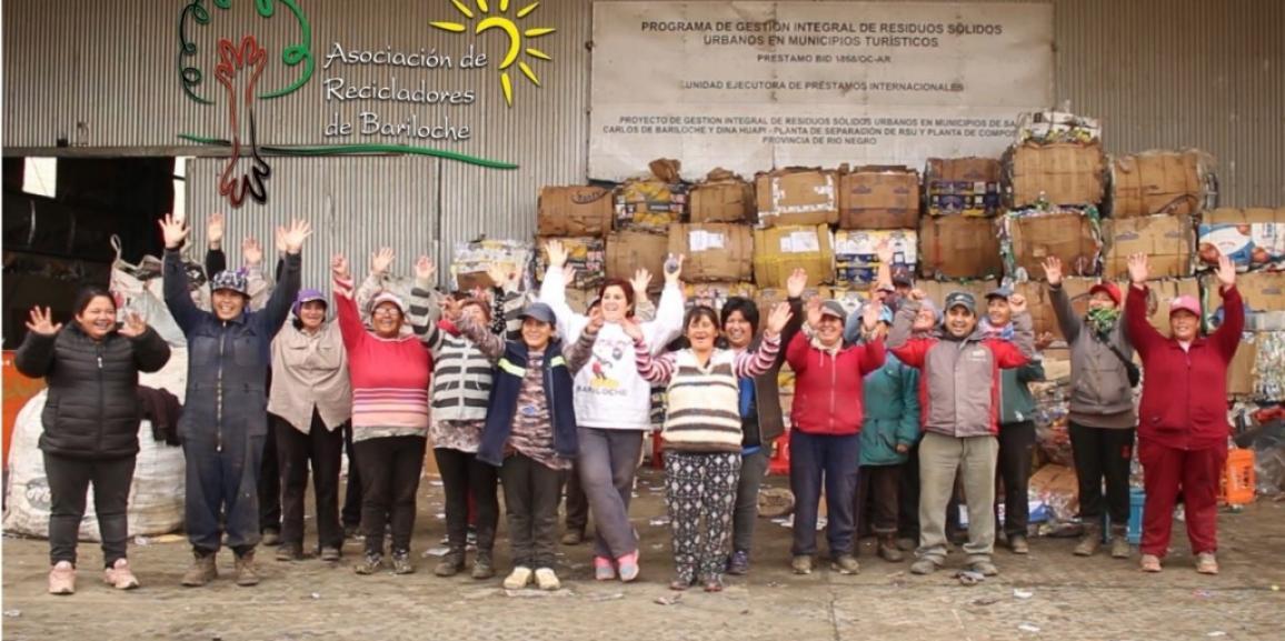 Proyecto de Voluntariado donó la venta de sus libros para el camión de la ARB