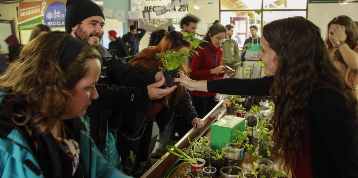 Exitosa Feria de Plantas en la UNCo Bariloche