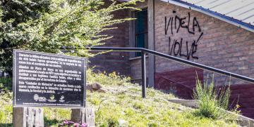 Repudio sobre pintadas en la UNCo Bariloche