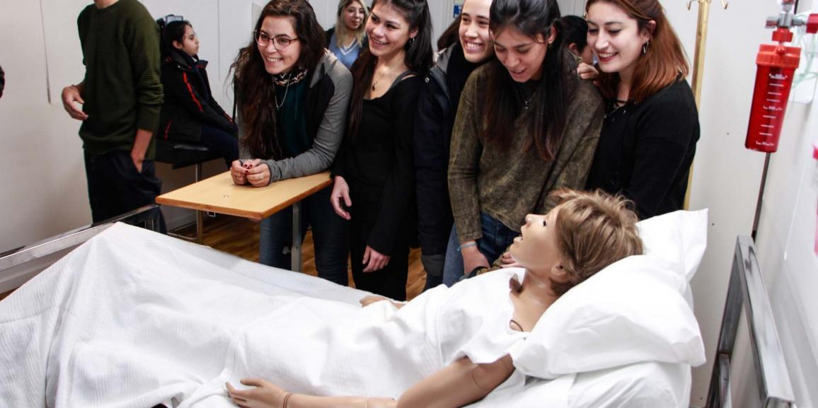 Se inauguró el Gabinete de prácticas de la carrera de Enfermería de la UNCo Bariloche