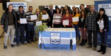 Se entregaron los primeros certificados de cursos UNCo-SOYEM