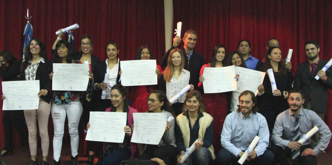 Cálida entrega de títulos en la UNCo Bariloche